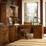 L-Shaped Office Desk With Hutch With Classical Design
